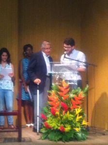 Eduardo Almeida receiving his award. Photo, courtesy of Catarina Arcidionoco.