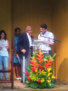 Eduardo Almeida receiving his award. Photo, courtesy of Catarina Arcidionoco.